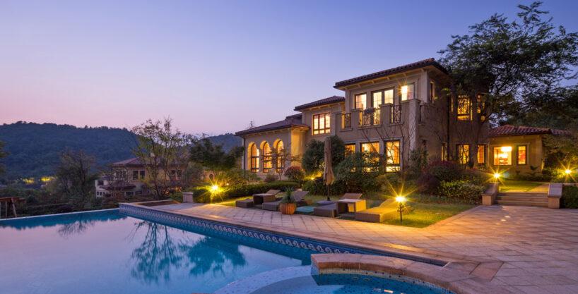 Villa on Grand Avenue